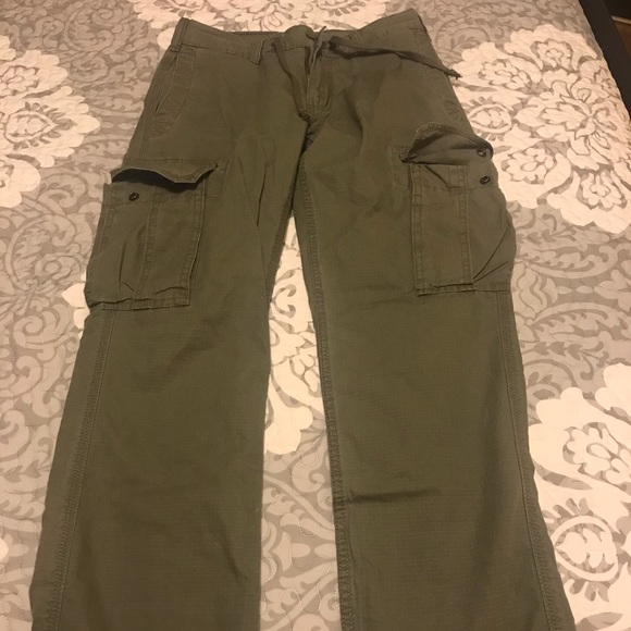 GAP olive green cargo pants size 29/30
